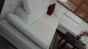 SECTIONAL LEATHER WHITE IN L. DELIVERY SEECAVAILAIBLE for Sale in HALNDLE BCH, FL