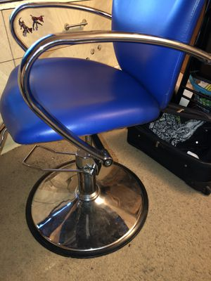 Blue Barber Chair for Sale in Concord, CA