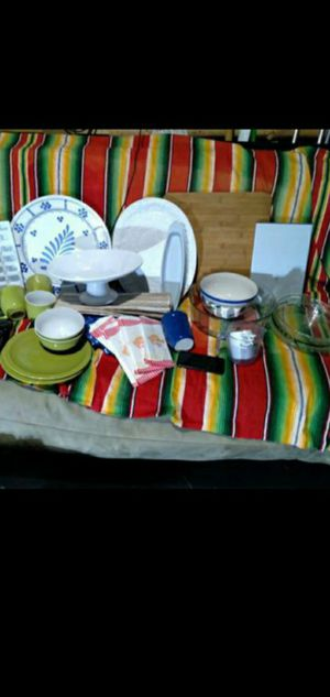 Party serving bundle- trays - bowels platters and more for Sale in Henderson, NV