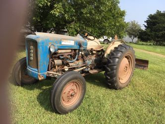 1963 Ford 2000 Tractor for Sale in Aubrey,  TX