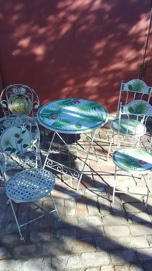 Decorative antique table and chairs perjaps 20's or 30's 200.00 for Sale in Phoenix, AZ