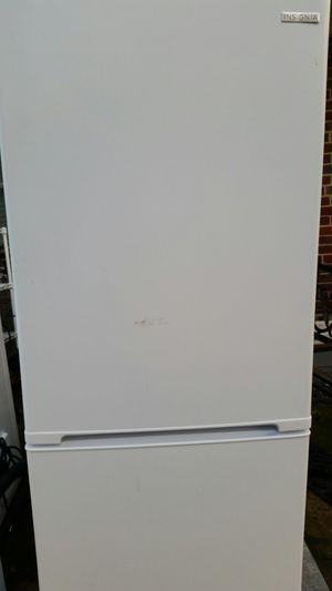 Medium size French door refrigerator bottom freezer for Sale in Lincolnia, VA