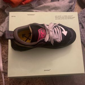 Off White Sneakers for Sale in Burtonsville, MD