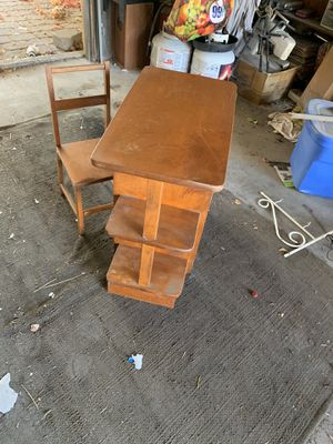 Antique children's desk for Sale in San Bernardino, CA