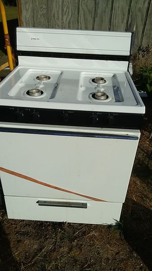 Magic chef propane stove for Sale in Paducah, KY