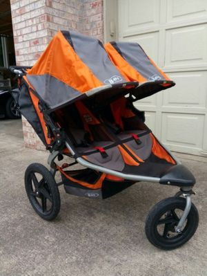 Double BOB duallie jogging stroller for Sale in Federal Way, WA