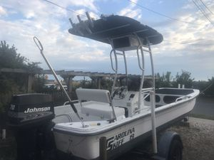 19ft Carolina skiff boat with 70hp outboard engine for Sale in Island Park, NY