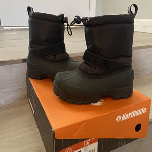 Snow Boots for Sale in Henderson, NV