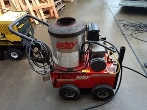 Hotsy 555 hot water pressure washer for Sale in Baden, PA