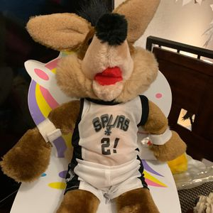 SAN ANTONIO VINTAGE COYOTE PLUSH DOLL #2 by MOSCOT for Sale in Spring Valley, CA