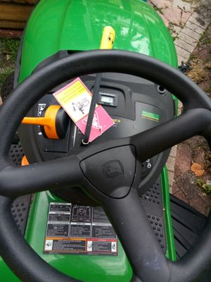 Jhon Deere d105 lawn tractor never use! Salee for Sale in North Miami Beach, FL