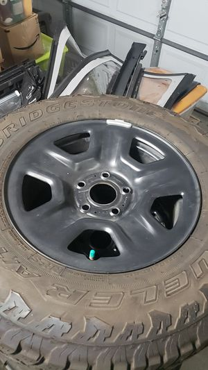 5 jeep wrangler 2018 jl wheels tires 245/75/17 for Sale in Clearwater, FL