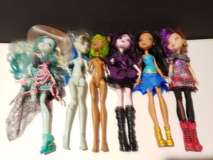 Bratz Dolls (complete) + Monster High (missing limbs) - You get them all for Sale in Denver, PA
