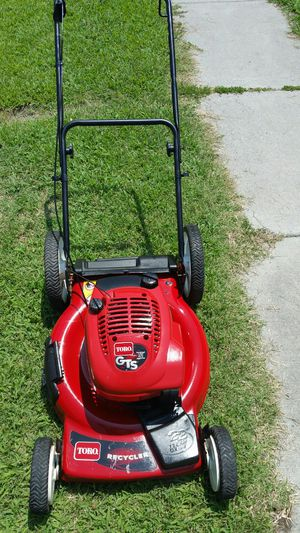Toro self propelled lawn mowers start on first pull for Sale in Norfolk, VA