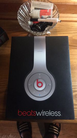 Beats wireless headphones for Sale in Newport News, VA
