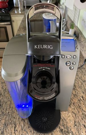 Keurig coffee maker for Sale in Tewksbury, MA