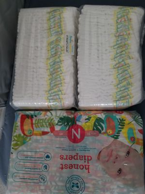 Newborn diapers free for puck up only. for Sale in Long Beach, CA