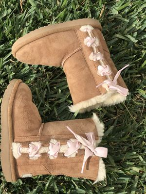 Ugg chestnut toddler Sz 11 for Sale in Long Beach, CA