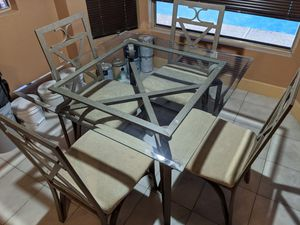 Glass kitchen table and chairs for Sale in Peoria, AZ