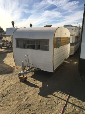 1967 vintage travel trailer for Sale in Hemet, CA