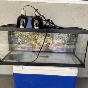 20 Gallon reptile Terrarium Tank with heat lamp and pad for Sale in Peoria, AZ