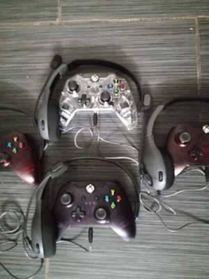 Open box but never been used buy ->1<- for ->10<- one set requires a level 30 headset and one Xbox One wired controller... or buy all for ->30<- for Sale in Phoenix, AZ