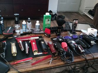 Barber Clippers/Barber Equipment /supplies for Sale in Atlanta,  GA
