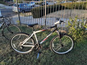 21 shifter mountain bike Giant for Sale in Los Angeles, CA