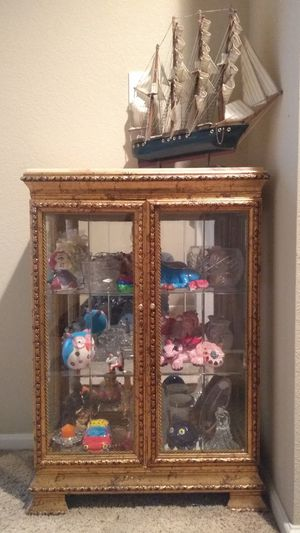 Antique display cabinet and matching mirror. for Sale in Denver, CO