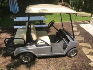 Club precedent 2010 Gas Golf Cart excellent condition runs and drives great. Making room for new UTV for Sale in Naperville, IL