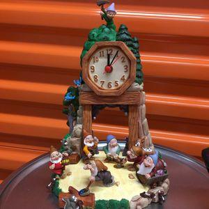 """10"""" Snow White And The Seven Dwarfs Pendulum Shelf Clock Disney Decor for Sale in Pompano Beach, FL"""