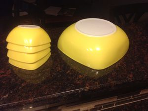PYREX OVENWARE Yellow Set for Sale in Macomb, MI
