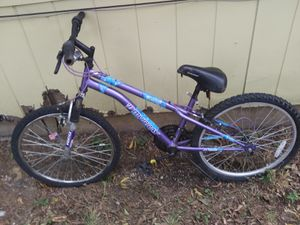 Getting rid of bike to get a newer mountain bike for Sale in Fort Worth, TX