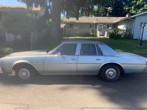 4 door Chevy Impala 1977 for Sale in Milwaukie, OR
