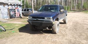 2003 lifted chevy s10 for Sale in Mancelona, MI