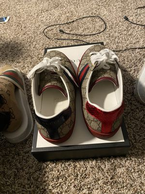 Gucci gg supreme for Sale in Webster, TX