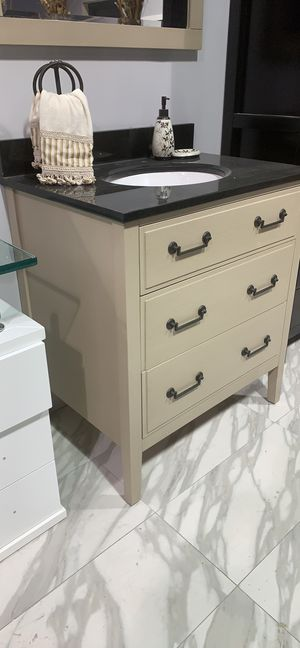 "31"" Avanity Single Sink Bathroom Vanity Cabinet in Taupe Finish with Custom Black Granite Countertop and Mirror for Sale in Fairfax, VA"