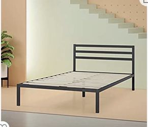 Queen Platform Bed for Sale in Fresno,  CA