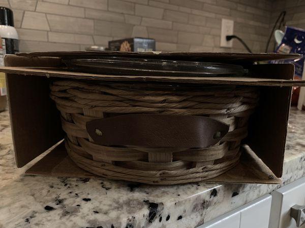 Brand new Pyrex baker in a basket