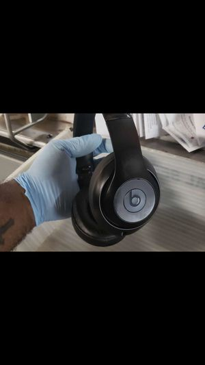 Beats studios 3 wireless noise cancellation|All black for Sale in Brooklyn, NY