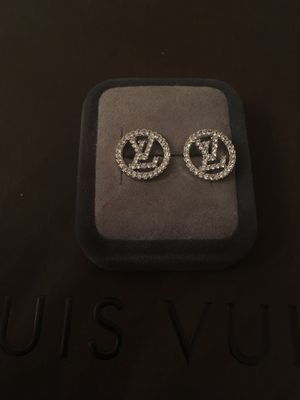Lv diamond post earrings for Sale in Clermont, FL