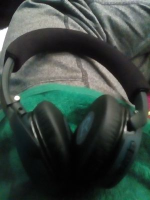 Bose wireless headphones for Sale in Tacoma, WA