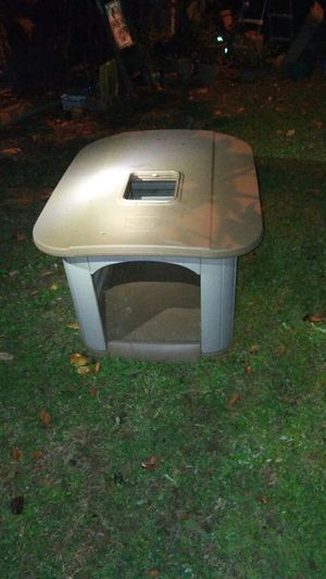 Dog house with sun roof for Sale in Austell, GA