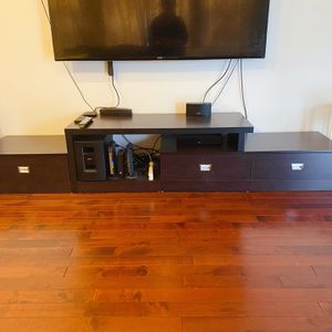 TV Stand 240cm long for Sale in Livonia, MI