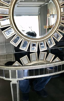 Entrance Table W/Matching Wall Mirror for Sale in Santa Ana,  CA