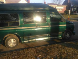 1999 Chevy Express for Sale in Southfield,  MI