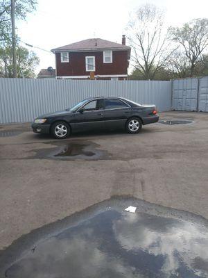 99 Lexus es 300 for Sale in Hamtramck, MI