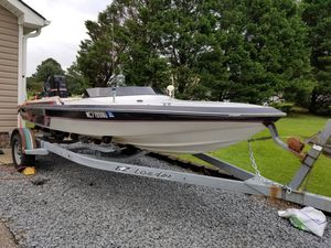 17ft boat and trailer for Sale in Angier, NC