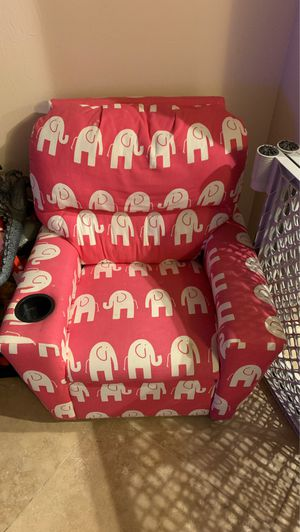 Kid recliner chair for Sale in Fort Myers, FL