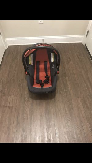 GRACO click and connect car seat with base for Sale in Durham, NC